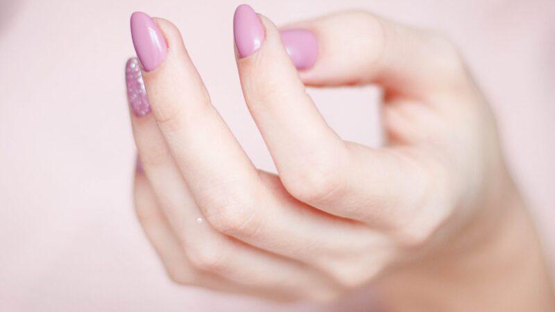 Sådan holder du dine negle pæne