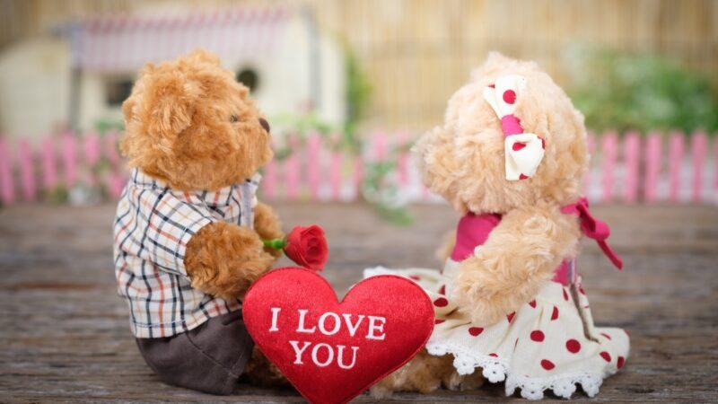 Forkæl kæresten med personlige gavekort