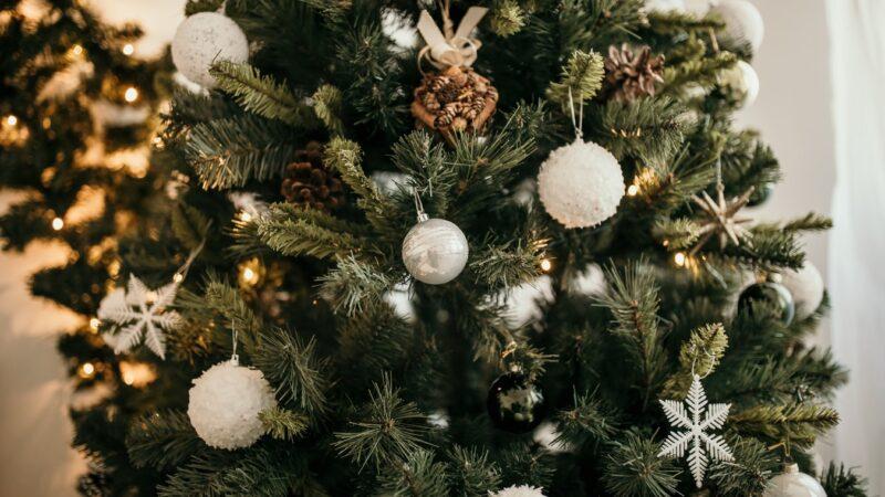 Gør december hed med en fræk julekalender – se udvalget her